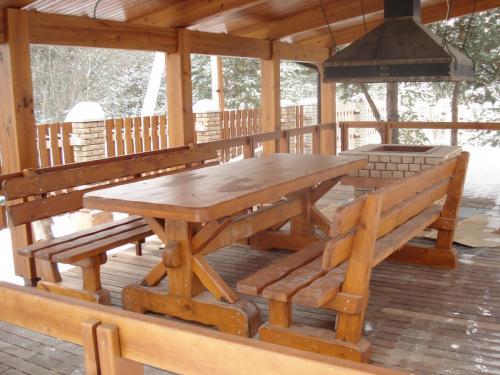 деревянная мебель в стиле шале, деревянная мебель под старину