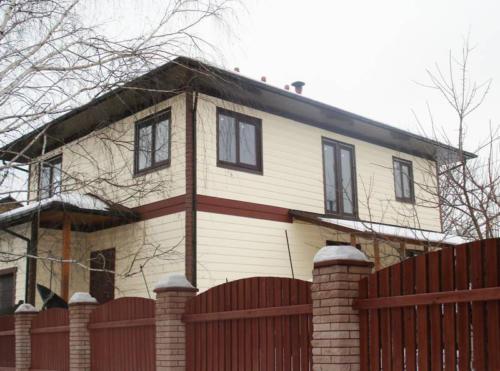 Каркасный дом в 2 этажа, деревянный забор Киев, теплый дом, дом под ключ Киев,
