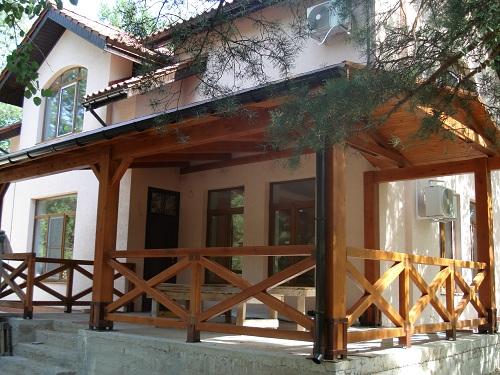 экологичный дом Киев, строительство домов, дома из натуральных материалов Киев, монтаж натуральной черепицы Киев,