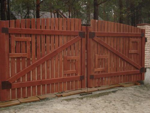 Ворота хай тек из дерева, заборы из дерева Киев,